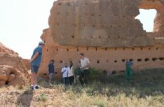 Prospección arqueológica en el castillo de Serón.