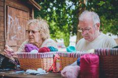El encuentro intergeneracional fomenta el diálogo entre mayores y jóvenes. /CARMEN DE VICENTE