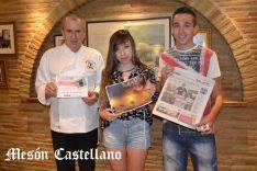 Sara Roncal y Alberto Ruiz, junto a José Luis Jiménez. /SN