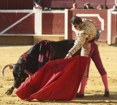 Foto 4 - Padilla sale por la puerta grande tras cortar una oreja a cada uno de su lote