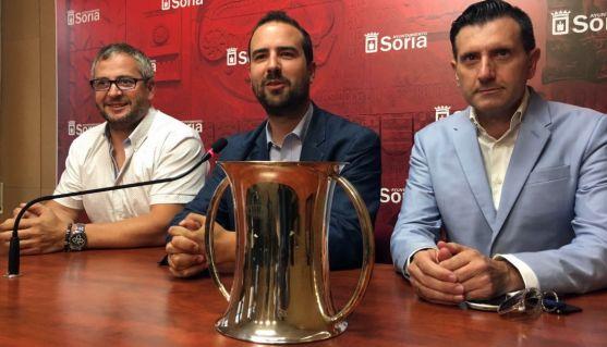 Cabrerizo (izda.), Hernández y Romera.