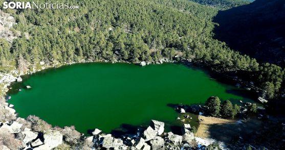 Las aguas de la laguna ofrecen un aspecto verdoso./SN