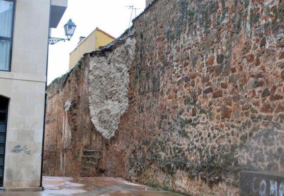 La muralla tras el derrumbe hace cuatro años. / SN