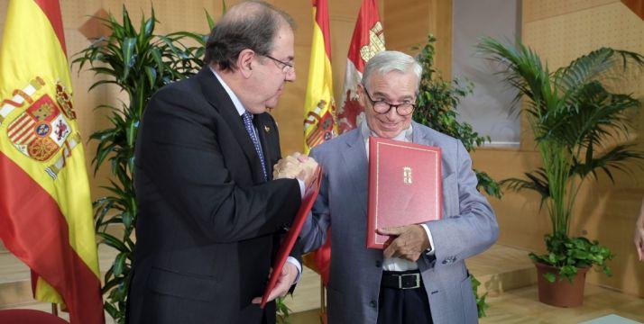 Francisco Luzón (dcha.) con Juan Vicente Herrera este martes./Jta.