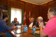 Luis Rey se reúne con los ayuntamientos para coordinar acciones de promoción del sendero Soria-A