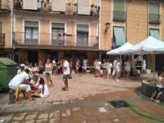Foto 3 - Calurosa primera jornada de las fiestas del Burgo