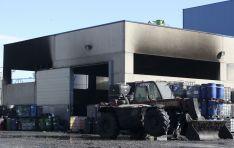 Incendio en una nave de la empresa Destiller en Ólvega