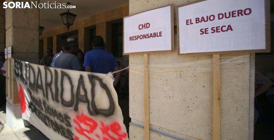 Pancartas en la manifestación. /SN