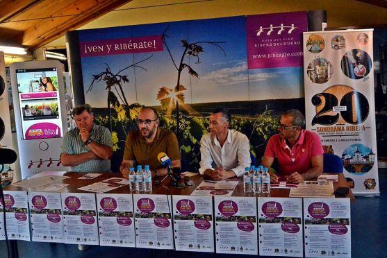 Presentación del 'Bus del vino'.