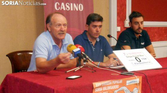 Enrique Pascual (izda.), Luis Oliver y Miguel Ángel Gil./SN