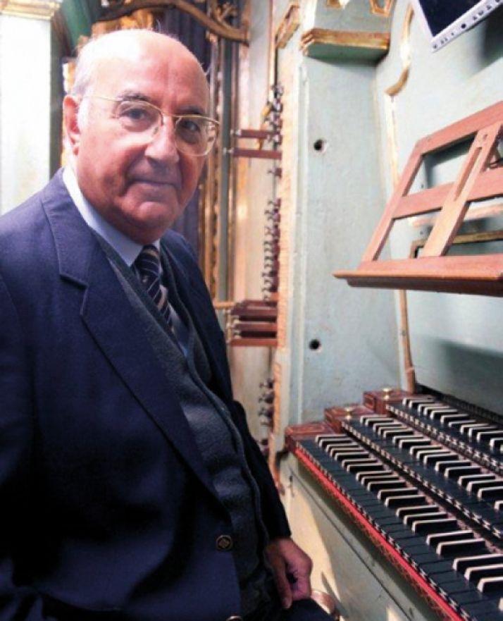 Adalberto Martínez.