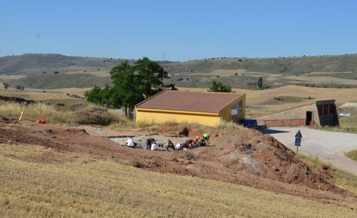 Excavaciones en el yacimiento de Ambrona. /Junta