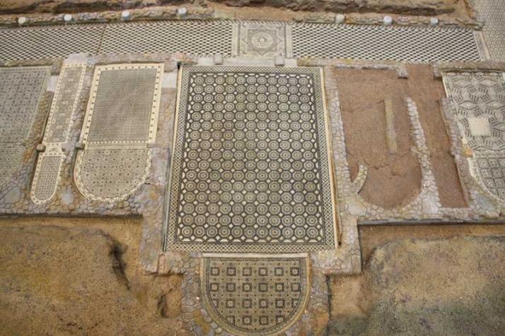 Foto 1 - La Diputación solicita una subvención para la rehabilitación de los mosaicos de la villa romana de Las Cuevas