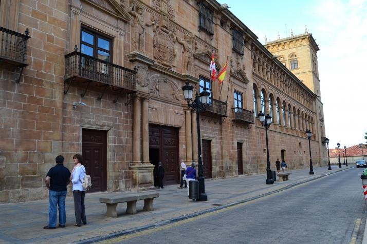 Los juzgados de Soria paralizados por un cable cortado por error