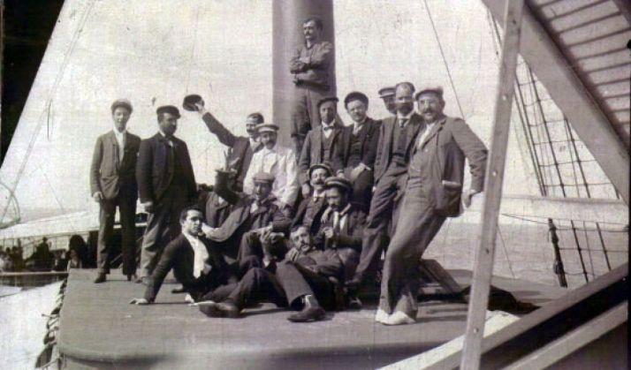 Fotografía antigua de indianos y migrantes. / Ayto El Royo