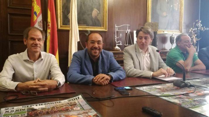 Antón, Rey, Mínguez y Cacho en la presentación.