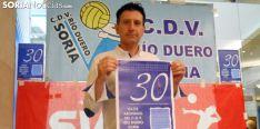 Ángel Romera, vicepresidente, presentando la nueva temprada./SN