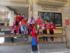 Carlos Vallejo junto a otros aficionados numantinos en un desplazamiento a Pamplona.