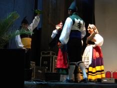 Foto 4 - El XXII festival de música y danza tradicional llena la Plaza Mayor