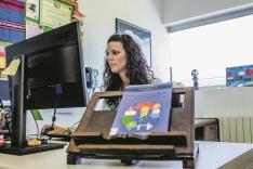 Carolina en su despacho de la UVa en Soria