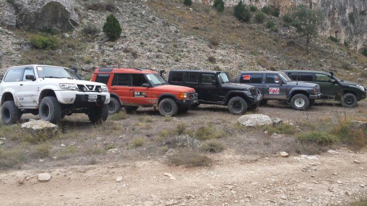 Vehículos todo terreno, en una excursión.