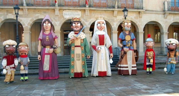 Así son los nuevos gigantes y cabezudos de Soria