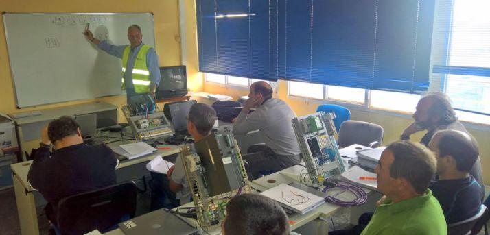 Imagen de una sesión formativa en la planta.