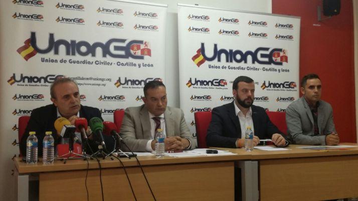 Los responsables de UniónGC en rueda de prensa.