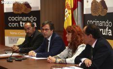 Rey, (izda.), Ramírez, Calvo y López./SN