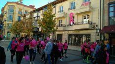 Foto 3 - Fotos: Multitudinaria Marcha contra el Cáncer en Soria