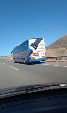 Foto 6 - Cortada la A-15 a la altura de Medinaceli por una falsa amenaza de bomba en un autobús