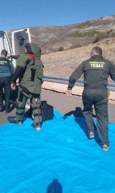 Foto 5 - Cortada la A-15 a la altura de Medinaceli por una falsa amenaza de bomba en un autobús