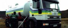 Un camión cisterna de la Diputación.