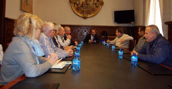 Reunión de alcaldes con montes resinables en el Palacio Provincial.