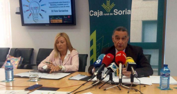 Blanca García y Anselmo García este viernes en la sede de la Caja Rural./SN