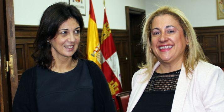 Asunción Machín (izda.) y Yolanda de Gregorio.