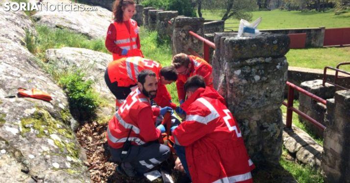 Voluntarios de Cruz Roja Soria en un simulacro./SN