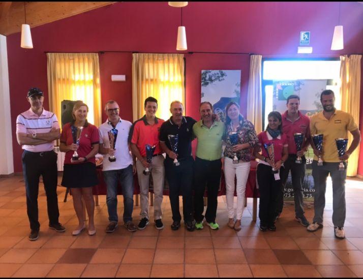 Ganadores del torneo de golf San Saturio.