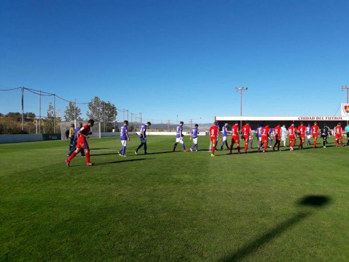 Foto 1 - El Numancia B le hace una 'manita' a La Bañeza (5-0)