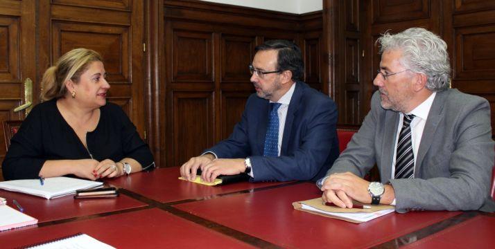 Fernández (dcha.) junto a Ormazábal y De Gregorio./SdG
