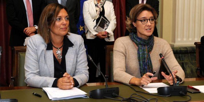 Milagros Marcos (izda.) e Isabel García Tejerina.