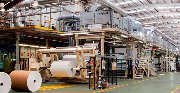 Una factoría papelera en Almazán./Lecta