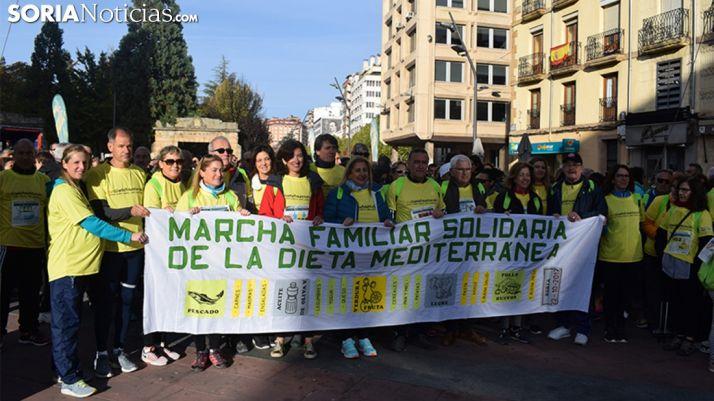 Más de un millar de personas en la I Marcha Solidaria de la Dieta Mediterránea