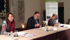 Imagen de la firma del convenio entre la Junta y la Fundación Adsis.