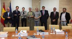 Participantes en la mesa-coloquio este viernes en Madrid./FOES