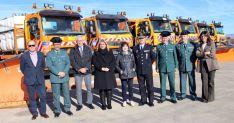 La subdelegada, (4ª izda.) junto a técnicos y miembros de la Guardia Civil este lunes.