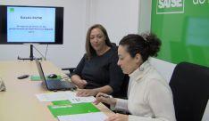 Mercedes Gago, secretaria general de SATSE Castilla y León (izquierda) y Patricia San Martín, secretaria de Acción Sindical de SATSE Castilla y León, durante la rueda de prensa