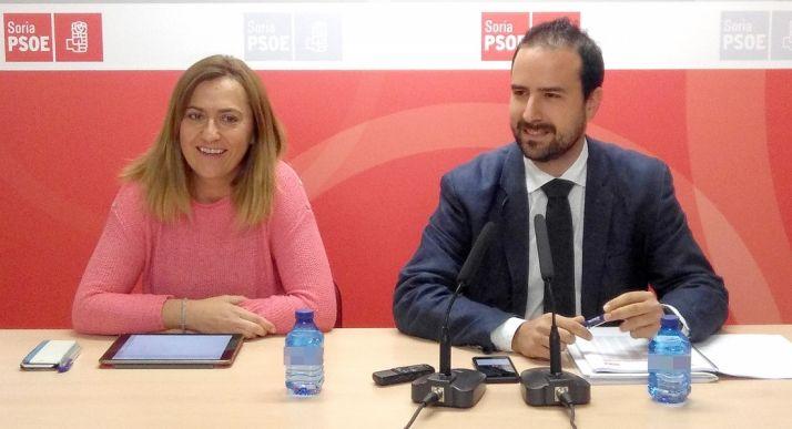 Virgina Barcones y Ángel Hernández en rueda de prensa.