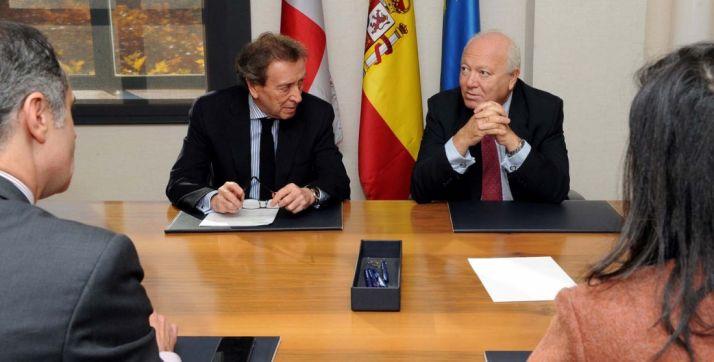 José Antonio de Santiago-Juárez, y Miguel Ángel Moratinos, este martes.
