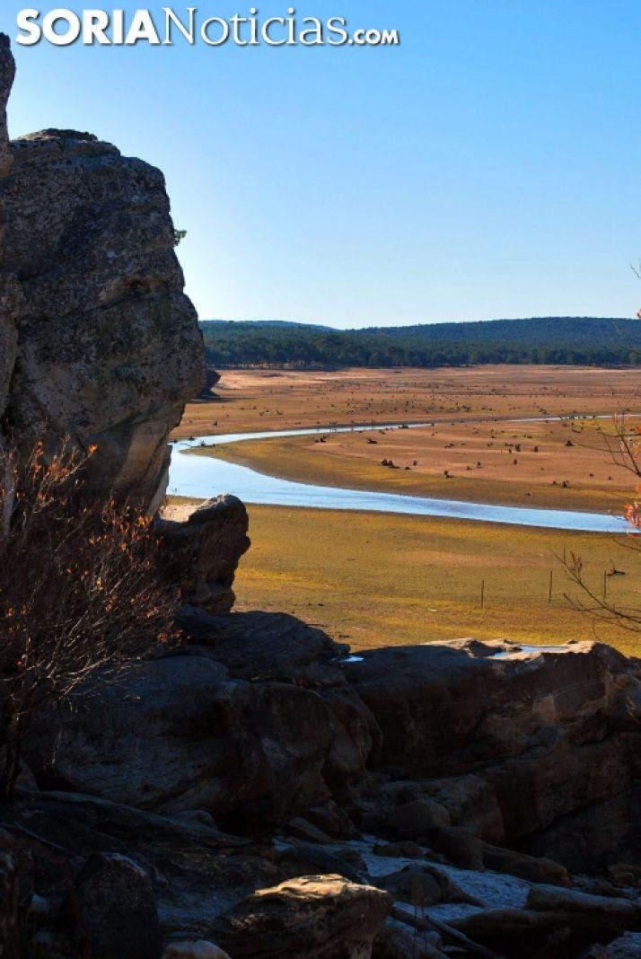Foto 2 - GALERÍA: El pantano, un monumento a la sequía
